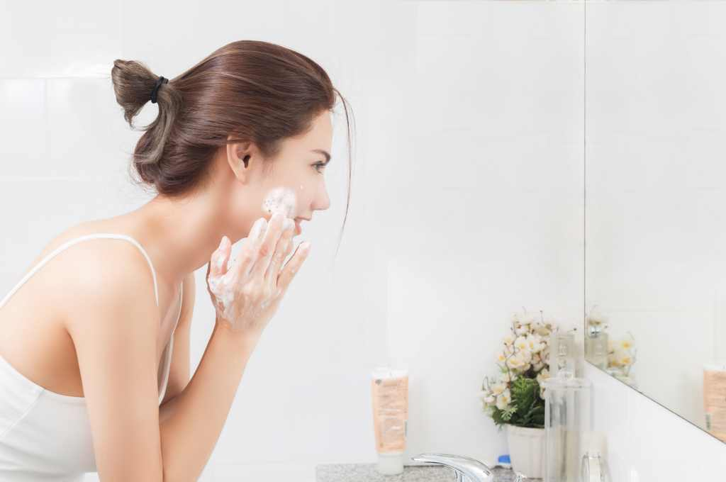 10 Facial Wash for Dry Skin