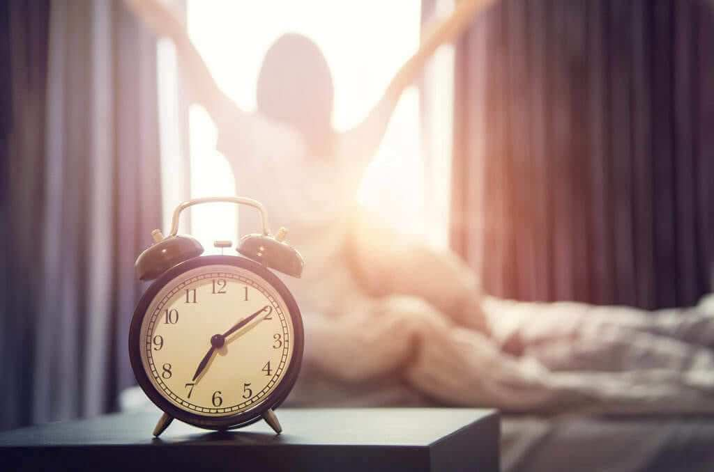10 Ways to Get Up Early in the Morning